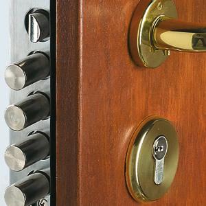 Apertura porta blindata cambio serratura doppia mappa - Limitatore apertura porta blindata ...